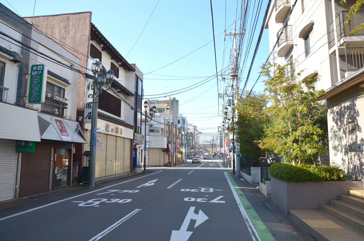 新所沢駅東口まで真っすぐ一直線