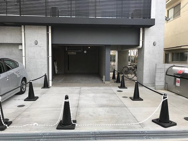 ガレージ倉庫の出入口